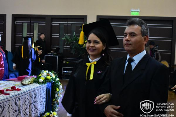 dsc-0127-graduacion-201940A34DAB-8FE2-2C57-829C-AD01D658DE29.jpg