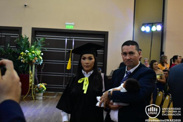 dsc-0129-graduacion-201912F35CDD-CBF8-CFA1-9241-17256595ADCD.jpg