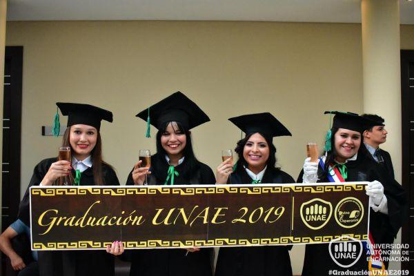 dsc-0539-graduacion-20195BCFAFBA-FCFE-5B38-389C-A1C7BC137616.jpg