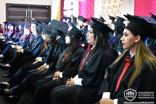 dsc-0792-graduacion-2019E2C1EC05-A84C-1C04-B19A-FE0BCAE4DB96.jpg