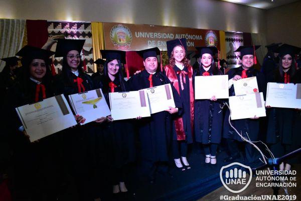 graduacion-post-grado-unae-2019-16331156D3E-246A-36F3-6B49-249C708B4D3A.jpg