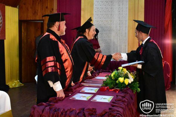 graduacion-colonias-unidas-unae-147637396CC-BFE2-4134-1816-FEFB1F9D50C7.jpg