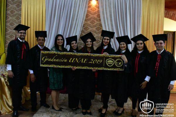 graduacion-colonias-unidas-unae-222F66A7EB-418B-803E-0659-5DBDD0D13285.jpg