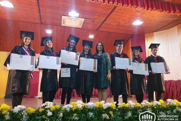 graduacion-colonias-unidas-unae-22514B27FE3-3CA5-0D67-A0E5-B370247F209C.jpg
