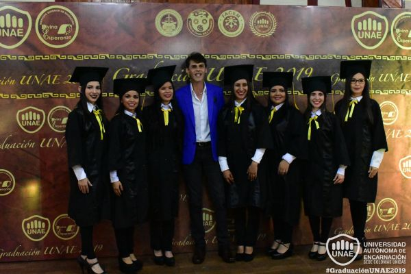 graduacion-colonias-unidas-unae-24EAB5CC1B-6A47-9812-FCC8-26861292033C.jpg