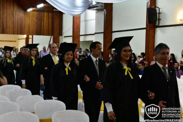 graduacion-colonias-unidas-unae-4519114994-BCD9-CC34-0B76-017DE819C3D5.jpg