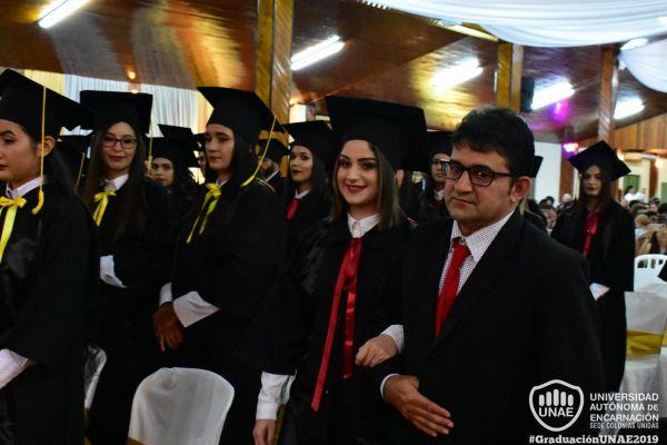 graduacion-colonias-unidas-unae-6309B70328-A3DA-4A1D-4109-94E02A0EF07E.jpg