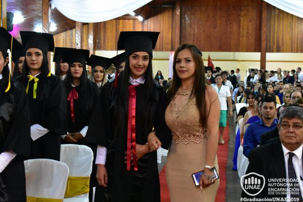 graduacion-colonias-unidas-unae-650A6060EC-8219-9C71-CCF9-92ABE81EB539.jpg