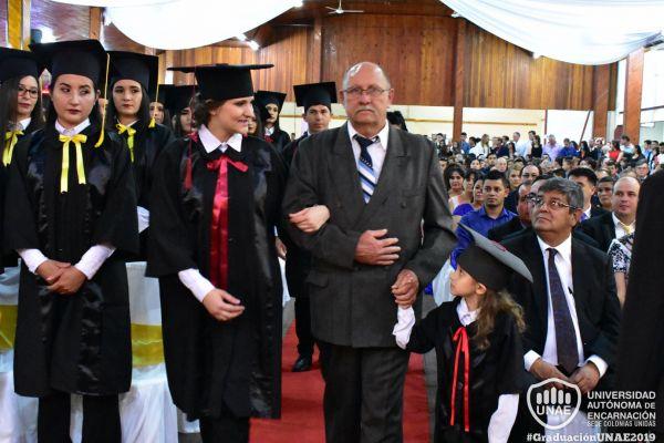 graduacion-colonias-unidas-unae-68E16F7C98-ADEE-F542-96EF-E0FF4916A117.jpg