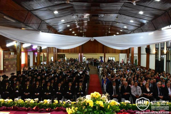 graduacion-colonias-unidas-unae-871FE7F1EF-D577-BAD1-9380-77C88D63C416.jpg