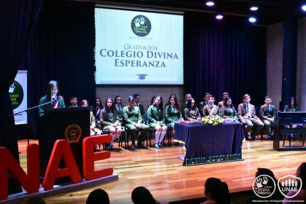 graduacion-colegio-divina-esperanza-16BA0728B2-639E-4AF2-25DB-06EF994336EA.jpg