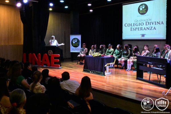 graduacion-colegio-divina-esperanza-231A54430F-0782-4E9A-7A88-FC8F25CC212A.jpg