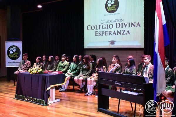 graduacion-colegio-divina-esperanza-24569D7A37-E1DA-905E-50A9-D9247B3BEC36.jpg