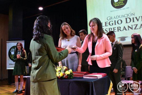 graduacion-colegio-divina-esperanza-noveno-grado-90279AE62-AE85-F7F8-EBEE-93B89D60B6CE.jpg