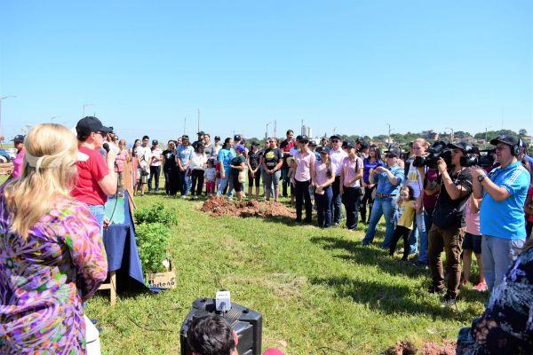 unae-verde-2019-plantacion-de-arboles-10-17CE96262-BD2D-4EAD-03AA-7DDA5F66B983.jpg