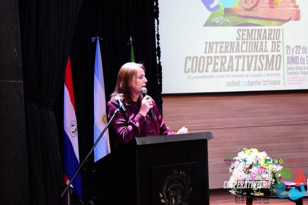 seminario-internacional-cooperativismo-02-hdtv-1080-seminario53A51D06-5328-5BAD-5726-2AFECD402939.jpg