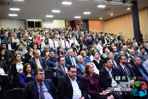 seminario-internacional-cooperativismo-09-hdtv-1080-seminario945E4EC8-42B7-03F0-BBB4-4FE951F14D55.jpg