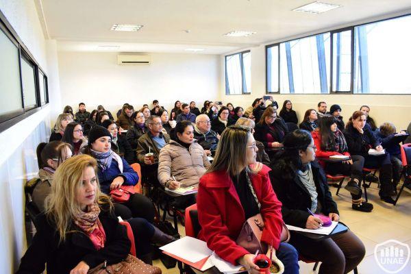 talleres-encuentro-de-investigadores-y-tesistas-1804452BA5-0152-CAC4-4E26-70B96202C770.jpg