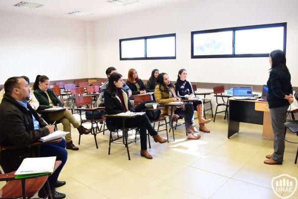 talleres-encuentro-de-investigadores-y-tesistas-7B7ABBFAB-B534-996A-AD09-8FF1AFB3BE0E.jpg