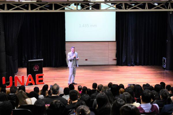 ii-seminario-de-marketing-015EC08548-7C41-DD7E-73CA-C69A548D18B5.jpg