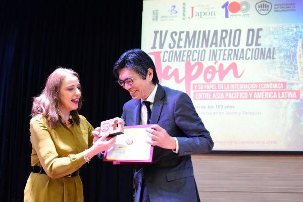 iv-seminario-de-comercio-internacional-2019-unae-blog-124123EE6A-F11A-BBCE-EE27-4683D17EB43D.jpg