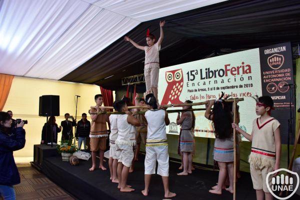 libroferia-encarnacion-2019-dia-3-45425B7A40-4C0A-6277-A53F-931358636AFE.jpg