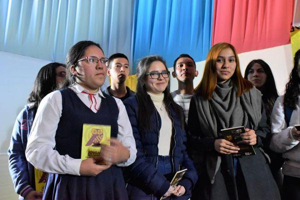 iv-antologia-jovenes-que-cuentan-unae-2019-102CADE023-131E-758F-91C8-8C314E312AC2.jpg
