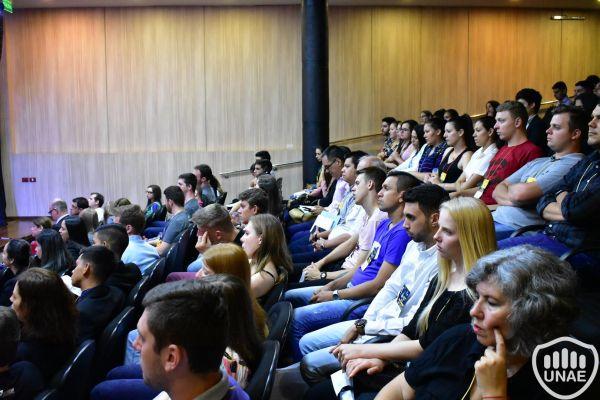 dia-2-actividades-en-el-auditorio-central-1AE736D03-C0AF-EC85-5B39-8FCAB7B431CE.jpg