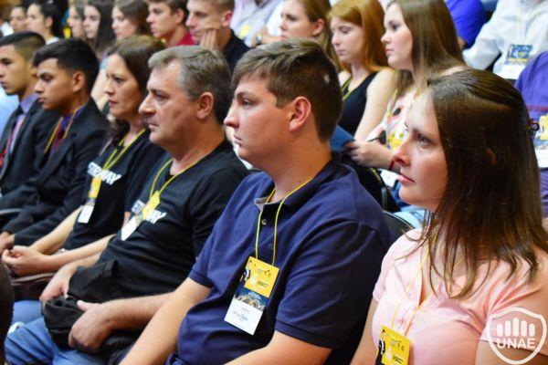 dia-2-actividades-en-el-auditorio-central-34FEFF281A-8F99-546F-E78E-878E0FF01DA5.jpg