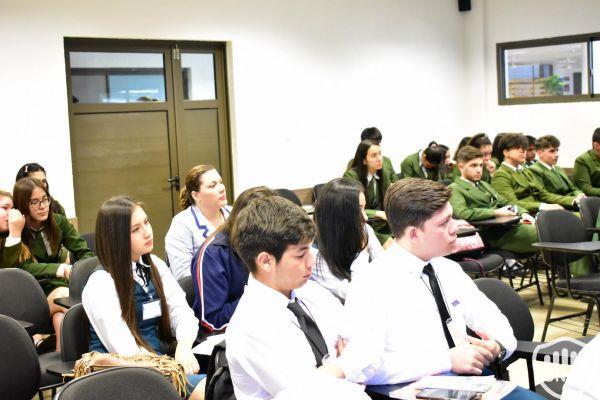 dia-2-emprendimientos-de-estudiantes-22B7763B88-9479-4E74-D546-3500784EAF98.jpg