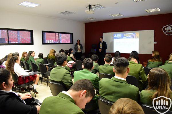 dia-2-workshops-dirigido-a-estudiantes-de-3-1067BFB216-C3C8-4B35-A0A3-69B0A94AF556.jpg