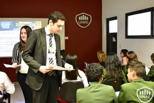 dia-2-workshops-dirigido-a-estudiantes-de-3-27F6638EE-122F-4A37-C941-1CBB4CDDF06D.jpg