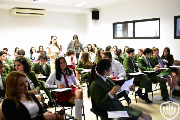dia-2-workshops-dirigido-a-estudiantes-de-3-3677D7E84-3CB6-56F3-9768-F4BB64FDC5A2.jpg