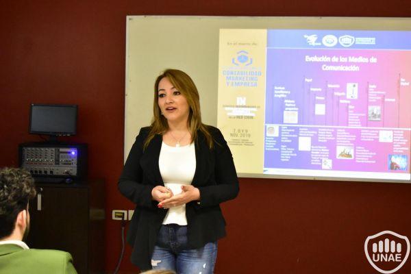 dia-2-workshops-dirigido-a-estudiantes-de-3-410BC1F63-B9F8-00B3-0A3A-F85C47E2A3AF.jpg