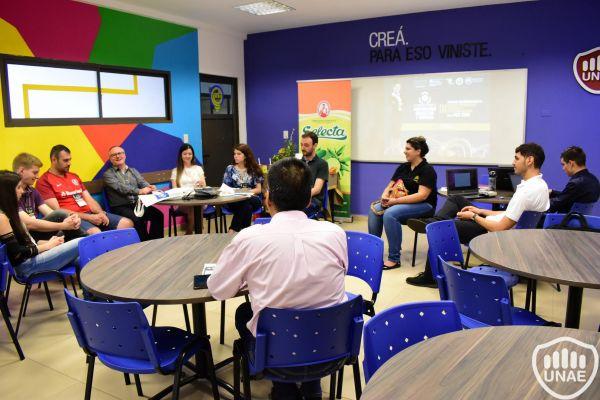 dia-2-workshops-dirigido-a-estudiantes-de-3-981D5AF25-B245-EA44-B293-1B445E1688DA.jpg