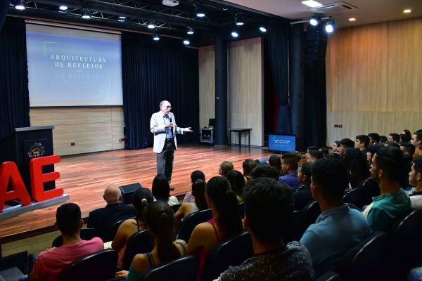 conferencia-augusto-morra-unae-arquitectura-2019-04E0ECA8B2-380B-0BF6-1A26-29F255A5A306.jpg