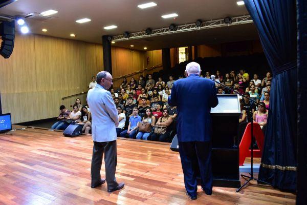 conferencia-augusto-morra-unae-arquitectura-2019-0833FEA367-624F-0C43-C417-581BF600207E.jpg
