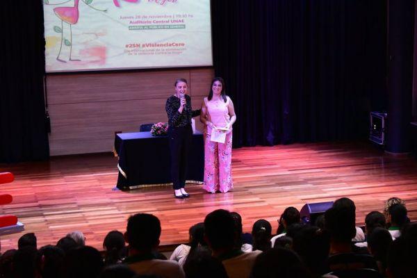 presentacion-de-libro-kuna-mujer-01961F6DDA-3E97-3074-21F4-FC7DC6FD0704.jpg