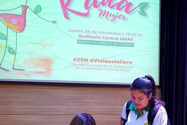 presentacion-de-libro-kuna-mujer-129D9A9950-8B47-ED44-7B5E-450E696414F2.jpg
