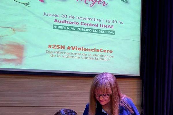 presentacion-de-libro-kuna-mujer-1497826B5A-3E70-BED6-4131-AB7795AC34E7.jpg