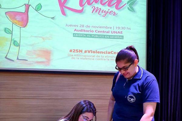 presentacion-de-libro-kuna-mujer-150D0154D0-E1E5-F7B1-4FFE-679BDEA44500.jpg
