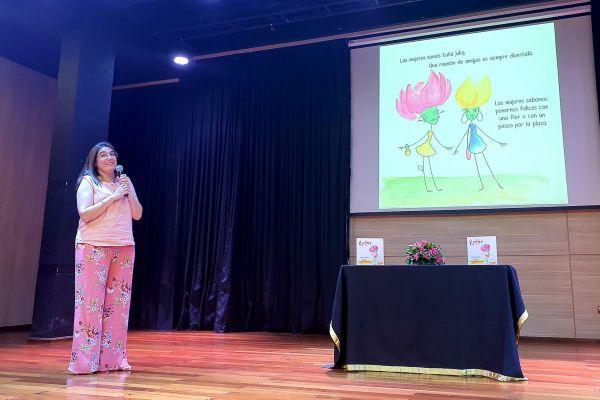 presentacion-de-libro-kuna-mujer-20505B40F9-46F0-3B8D-4812-448DE59B3A0B.jpg