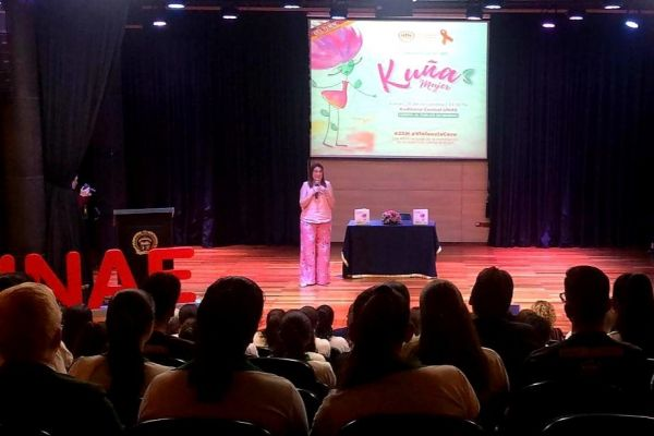 presentacion-de-libro-kuna-mujer-2108EE6B6D-510D-88A1-5764-8E2A915005F9.jpg
